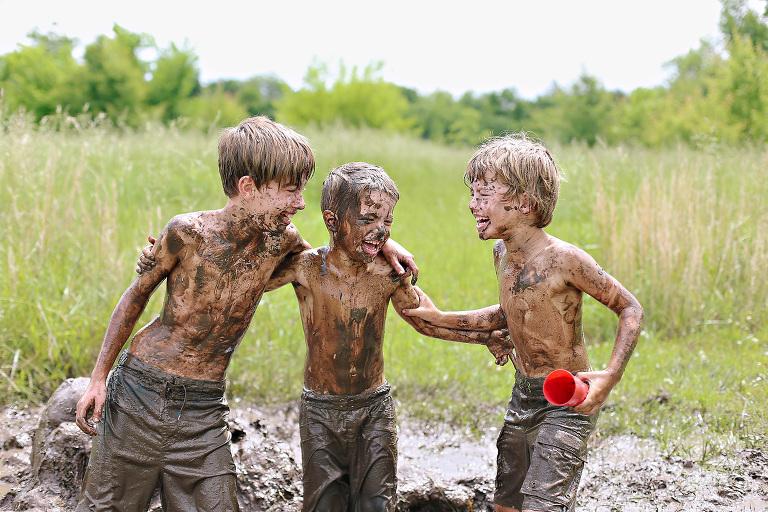 boy-mud-naked